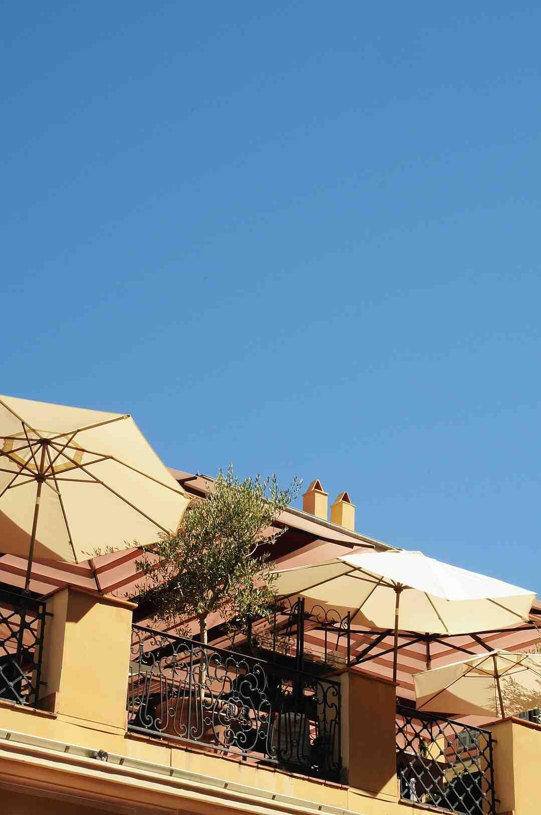 Quelle couleur de carrelage pour une terrasse ?